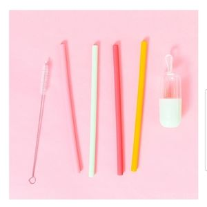 FREE - CHIC & TONIC silicone straws